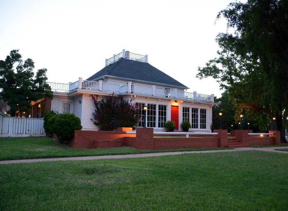 The Manor at Coffee Creek
